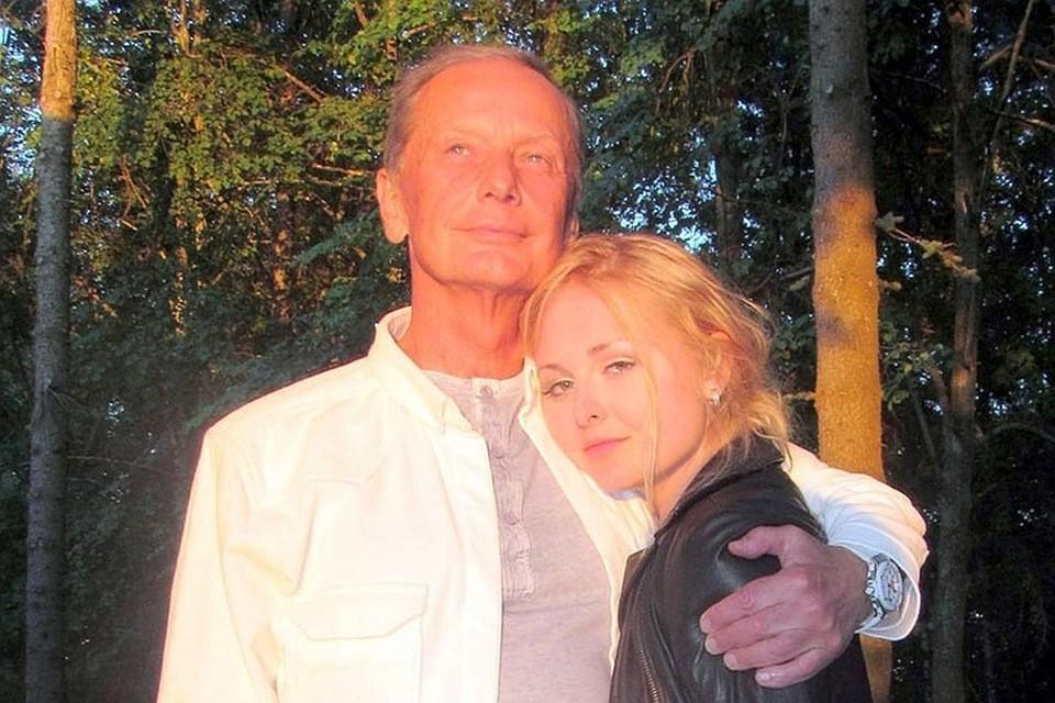 Единственная наследница Михаила Задорнова, скончавшегося почти три года назад от рака мозга, сейчас, как и все, переживает режим самоизоляции.