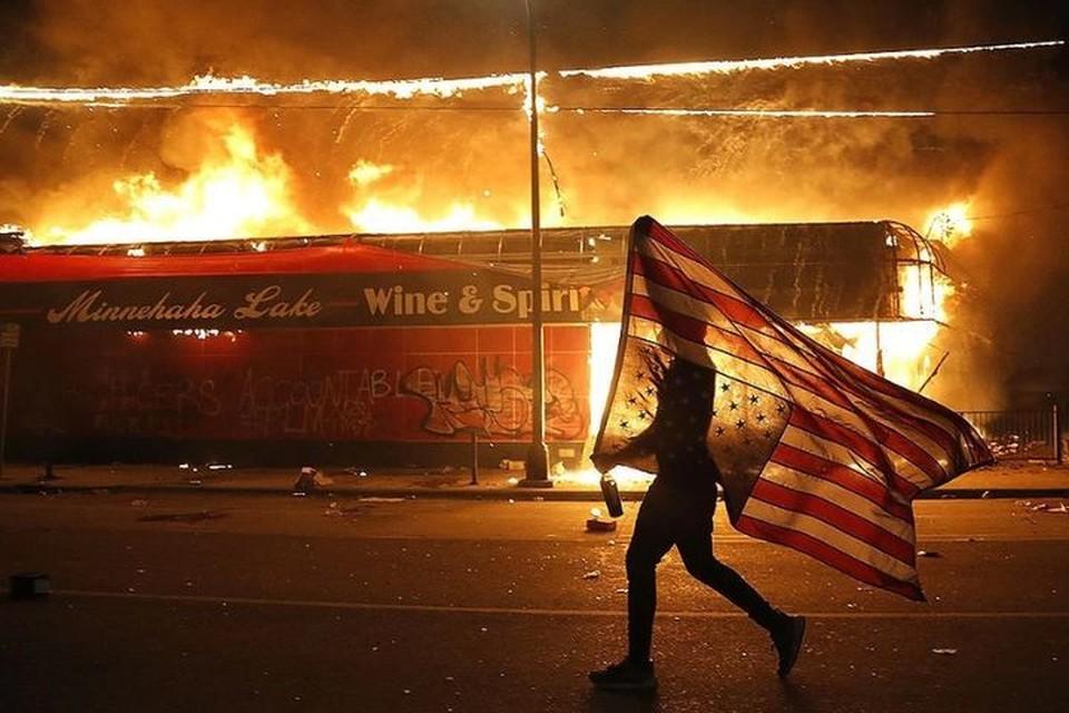 Погромы в Миннеаполисе не прекращаются несколько дней. Фото: EAST NEWS.