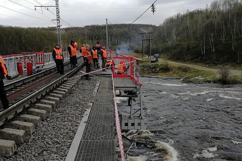 Работы на мосту идут полным ходом. Фото: Правительство Мурманской области