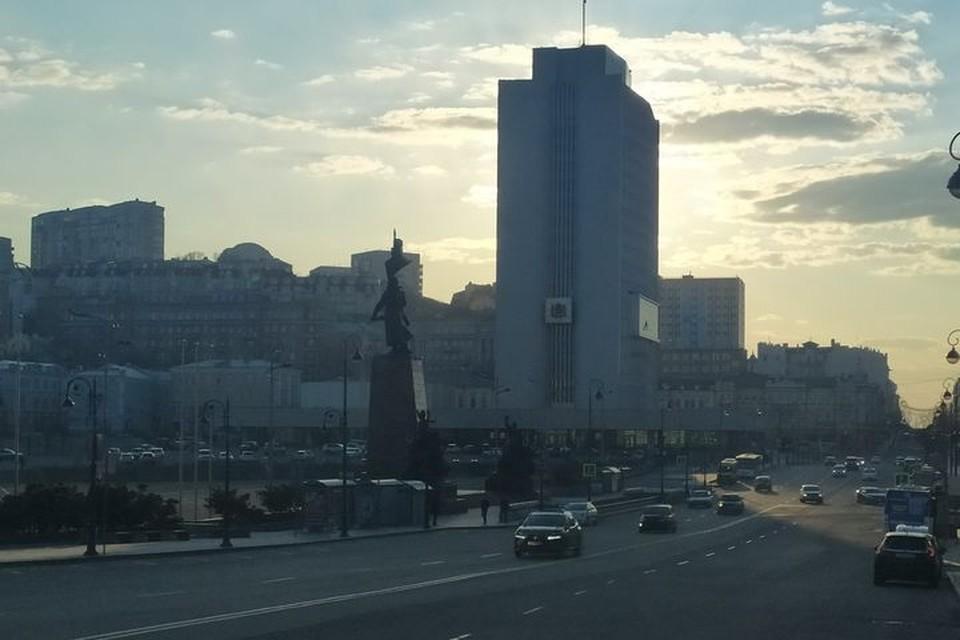 Скамейки планируется установить у здания краевого правительства