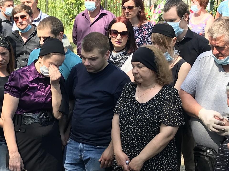 Официальная жена Сергея Маргарита с сыном.