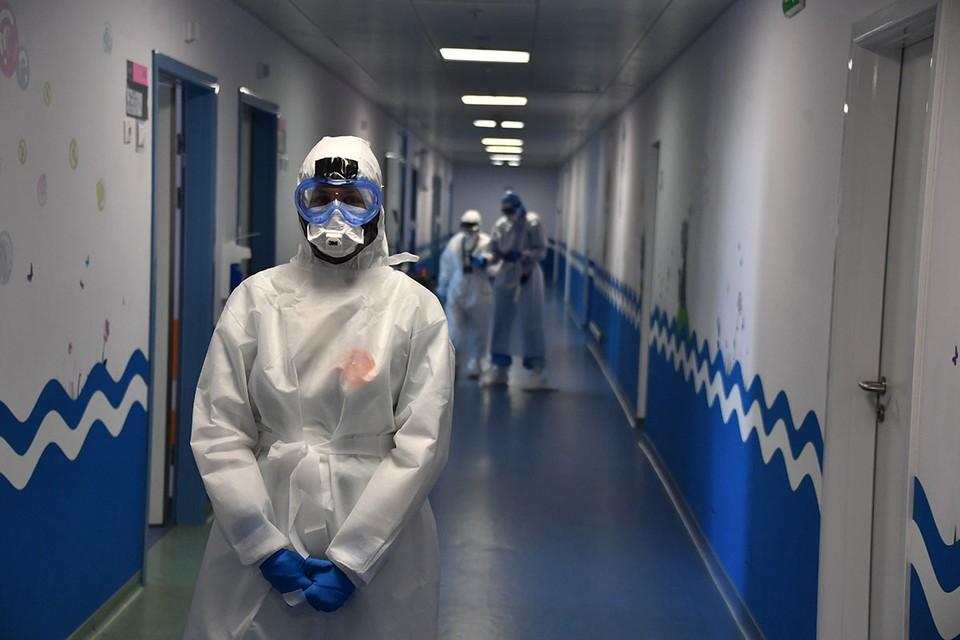Врач-эндокринолог объяснила, почему переболевших коронавирусом знобит даже в летнюю жару