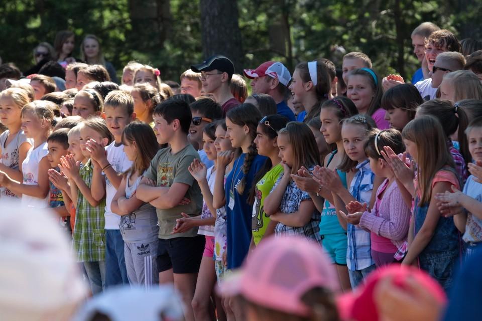 Ежегодно максимальный пик организации лагерей при школах приходился на июнь
