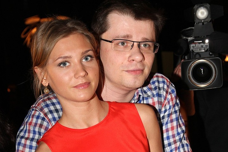 Гарик Харламов и Крстина Асмус стали встречаться в то время, когда актер был женат