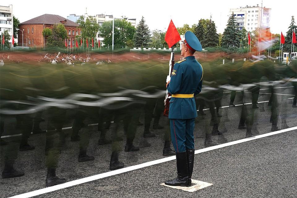 Во время Парада Победы в Самаре.