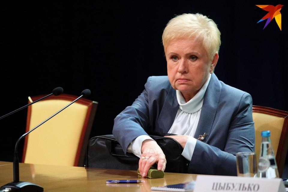 Лидия Ермошина рассказала, что пока лишь два потенциальных кандидата в президенты подали документы на регистрацию.