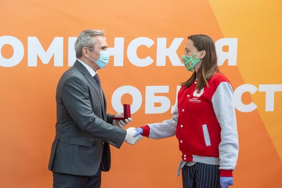 Александр Моор предложил учредить в Тюменской области награду за добровольчество и милосердие