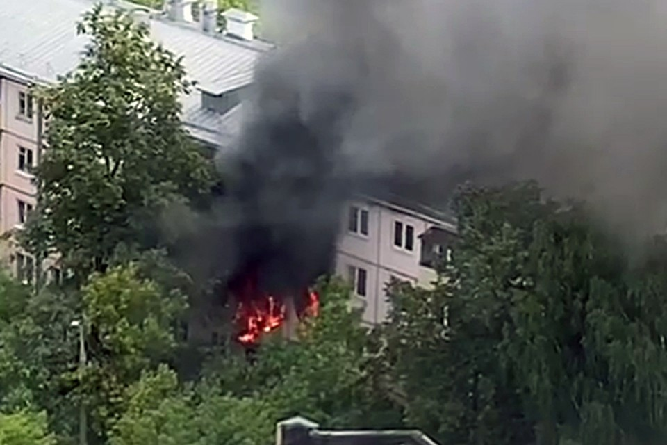 Возгорание распространилось на 70 квадратных метров и охватили две квартиры