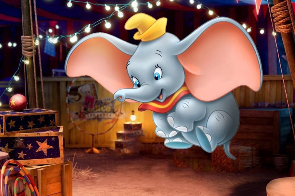 Детский добрый мультик «Дамбо» про лопоухого и летающего слоненка тоже не обошелся без грязных расистских штучек