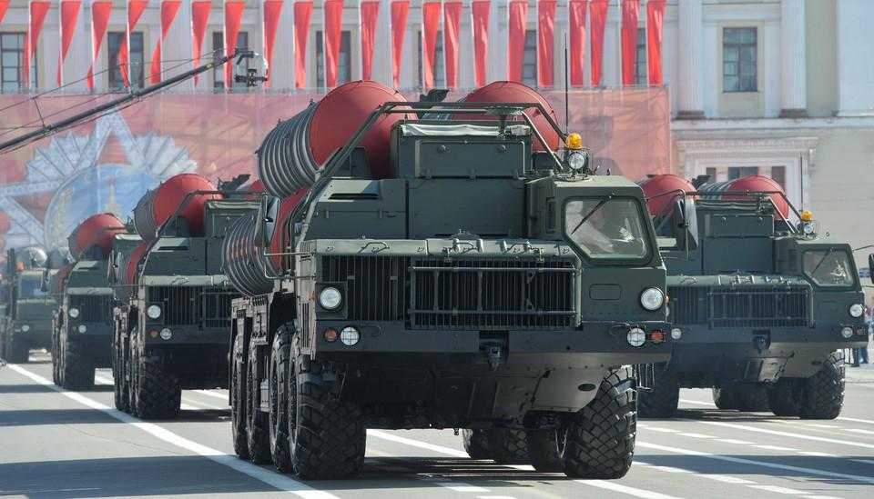 Спор между Турцией и США из-за российских зенитно-ракетных комплексов С-400 ведет к серьезному расколу в НАТО