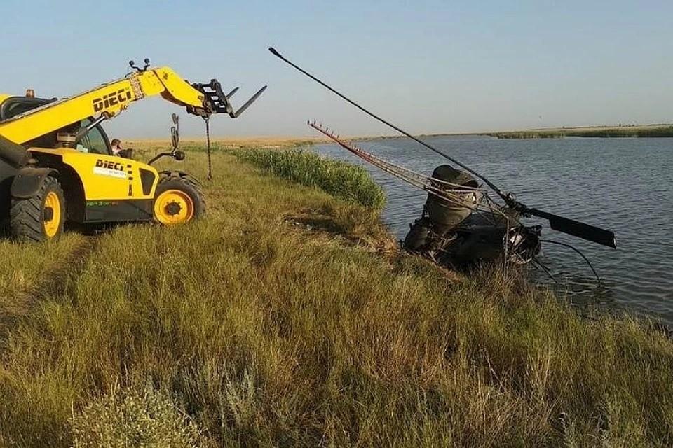 В Ростовской области жесткую посадку совершил вертолет Ми-2. Фото: ГУ МЧС по РО