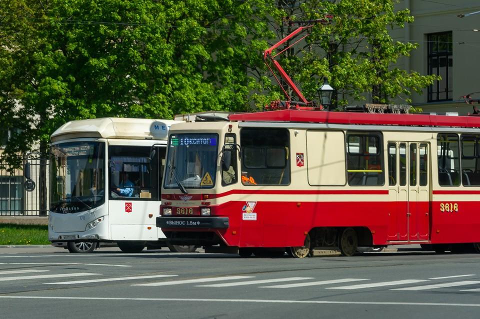 Наземный транспорт начнет работать в обычном режиме с 13 июля.
