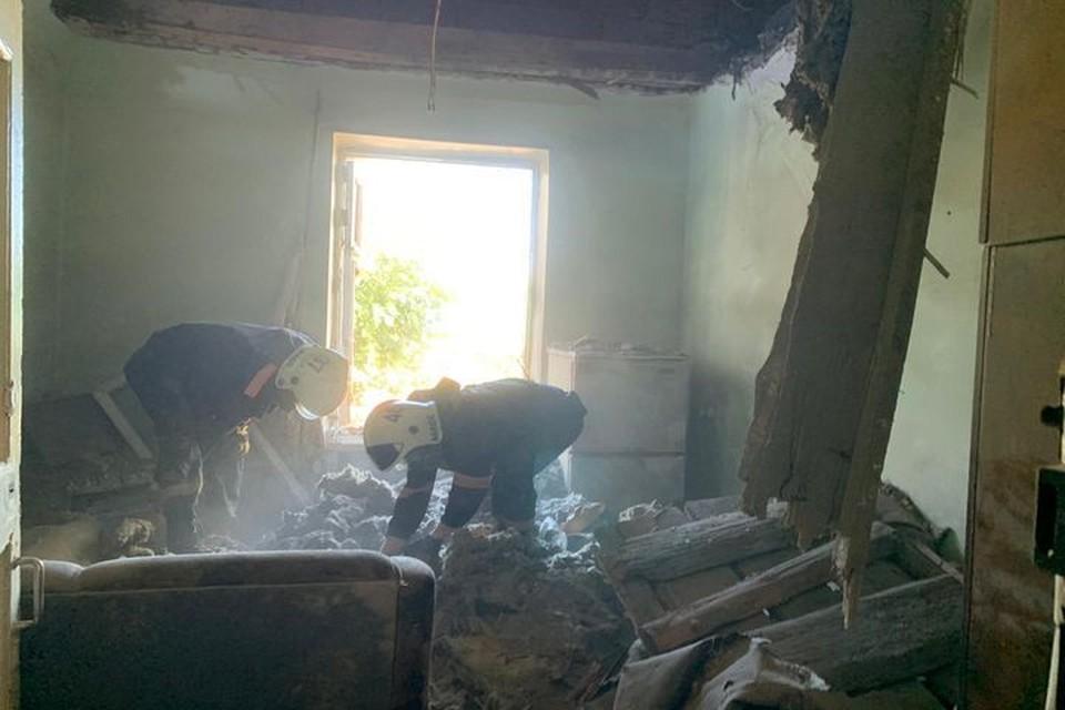 На пенсионера рухнул потолок: он погиб. Фото: пресс-служба МЧС по Новосибирской области