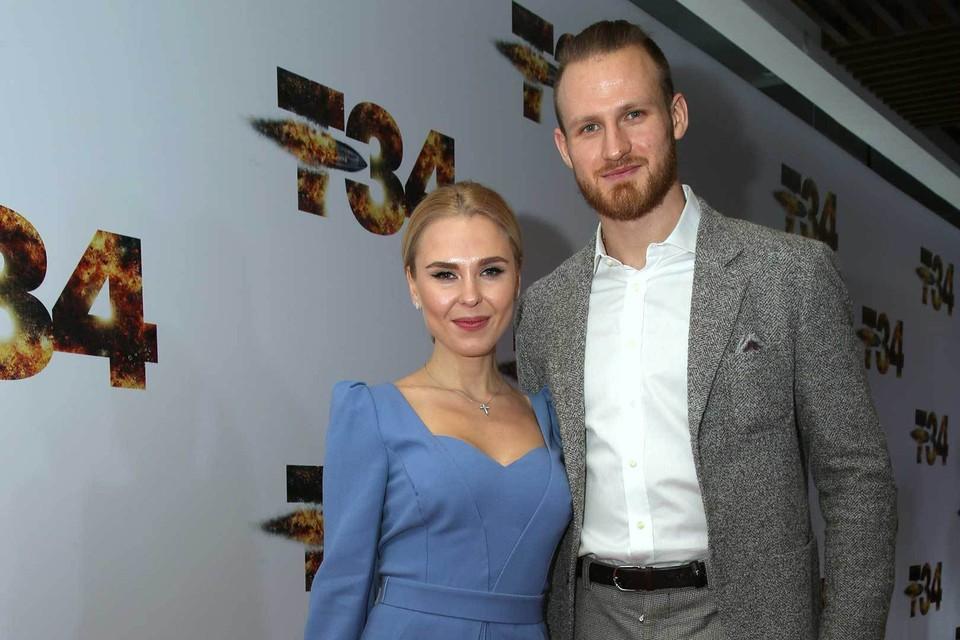 Пелагея и Иван поженились в 2016 году. Супруги разошлись летом 2019-го, а окончательно оформили развод в мае 2020 года.