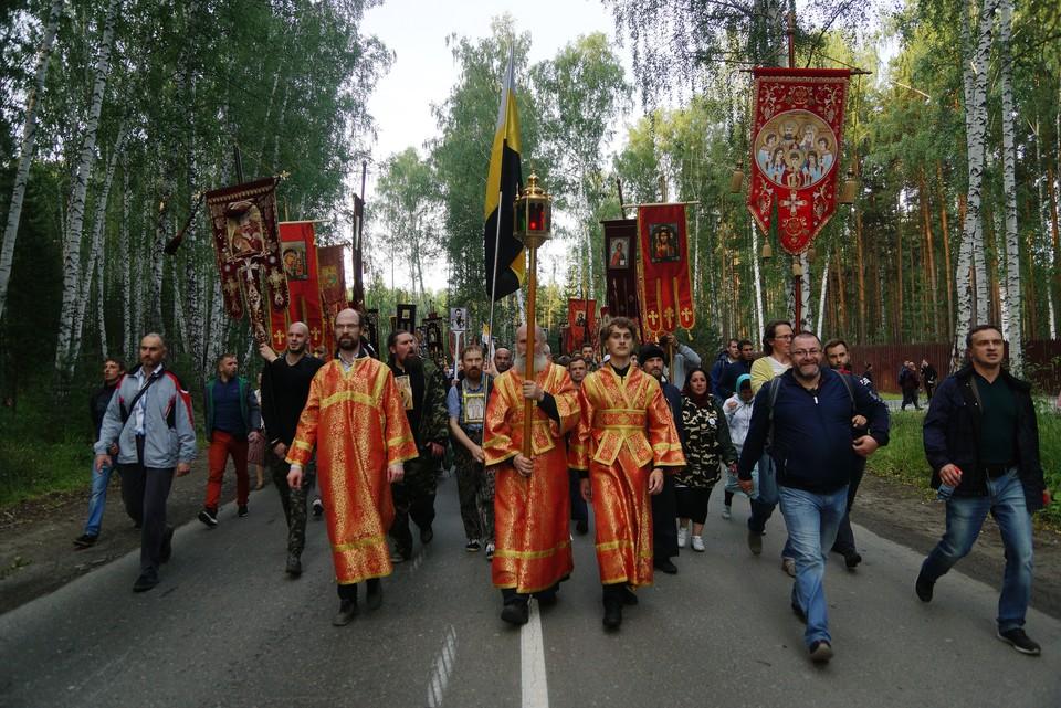 Колона верующих стартует в 2:00 и пройдет 20 километров.