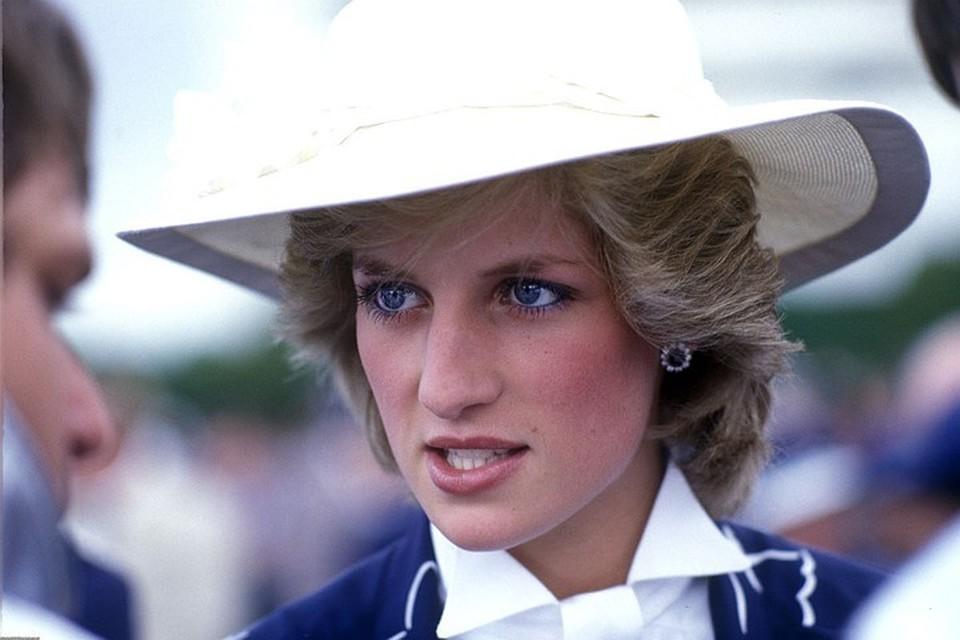 Принцессу Диану признали самой красивой королевской особой в истории