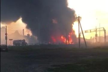 Взрыв на газозаправочной станции в Краснодарском крае: сгорели две машины, три человека пострадали