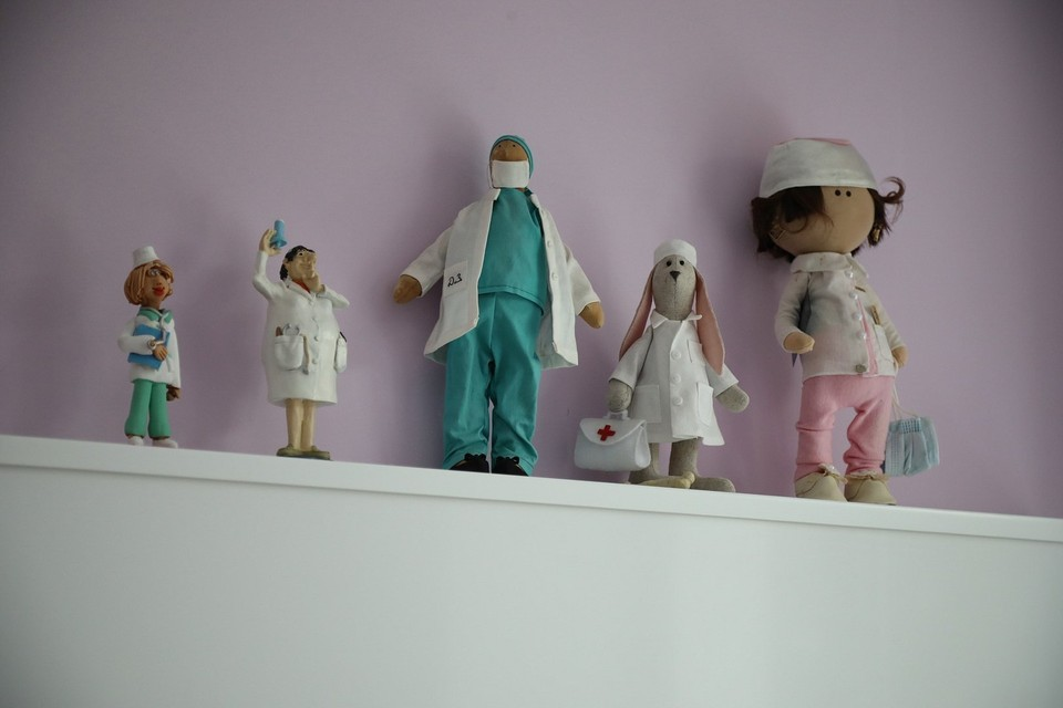 Фигурки врачей