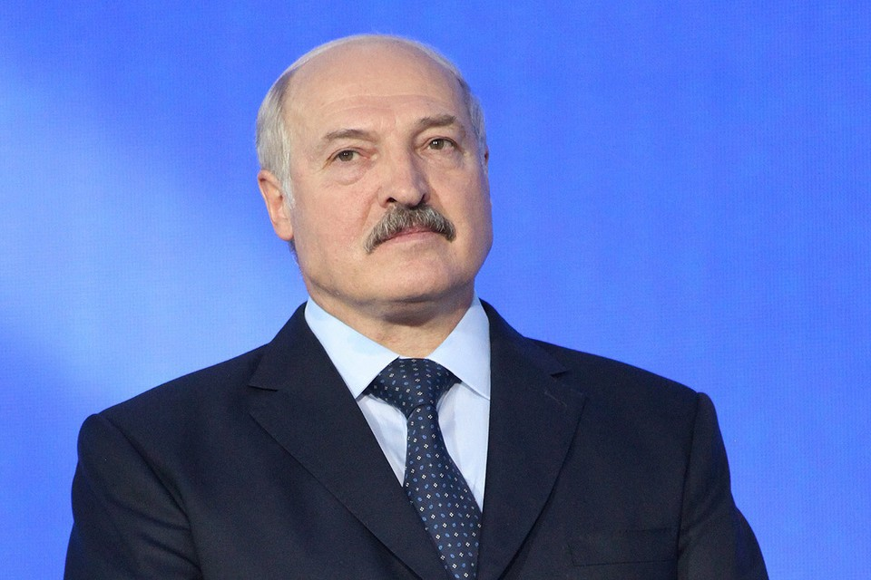 Лукашенко заявил, что тем, кто хочет другого президента, надо идти не на площади, а на избирательный участок