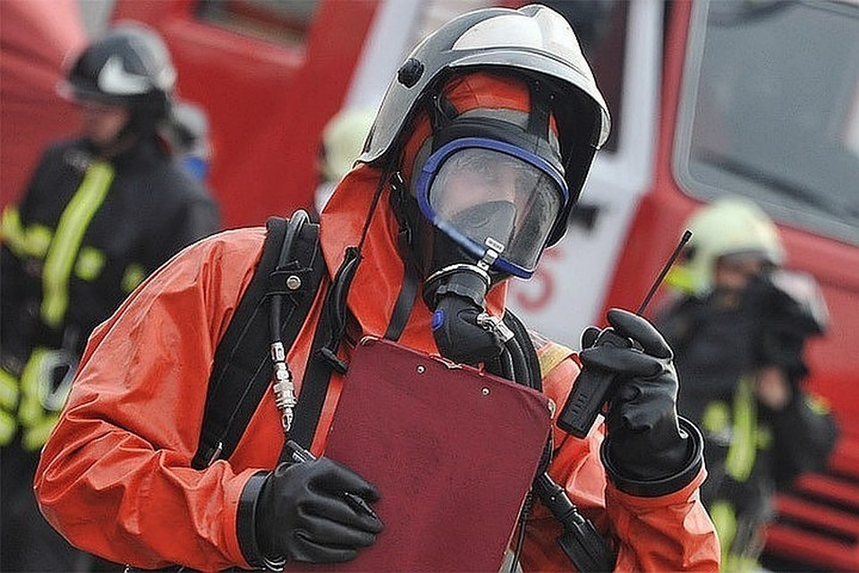 Два человека погибли при пожаре в жилом доме на улице Высокой в Москве