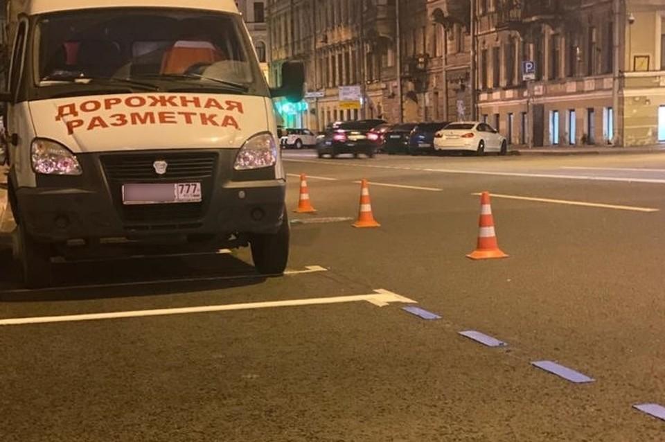 Зону платной парковки перекрасят в синий цвет в центре Санкт-Петербурга до 1 сентября. Фото: Смольный
