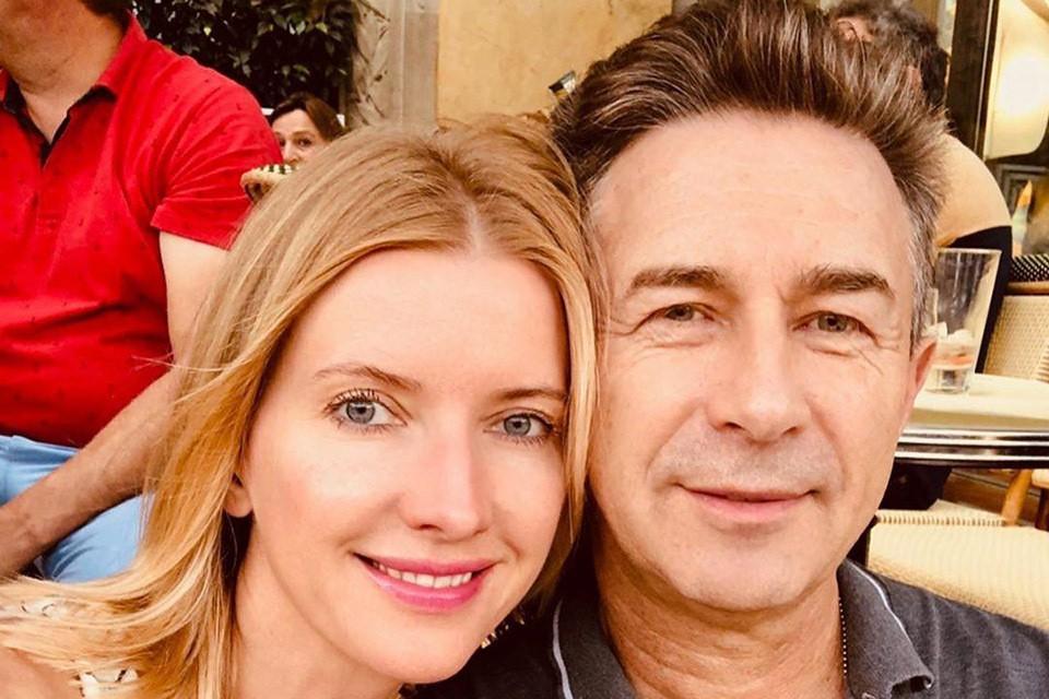 Валерий Сюткин и его 45-летняя жена Виола не афишировали счастливое событие.