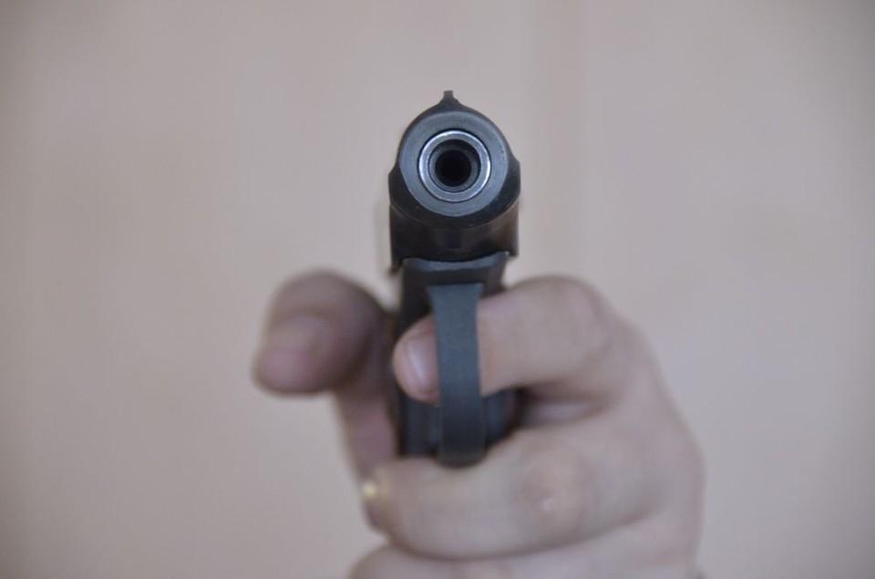 Шестеро жителей Тульской области вооружились и ограбили чужой гараж