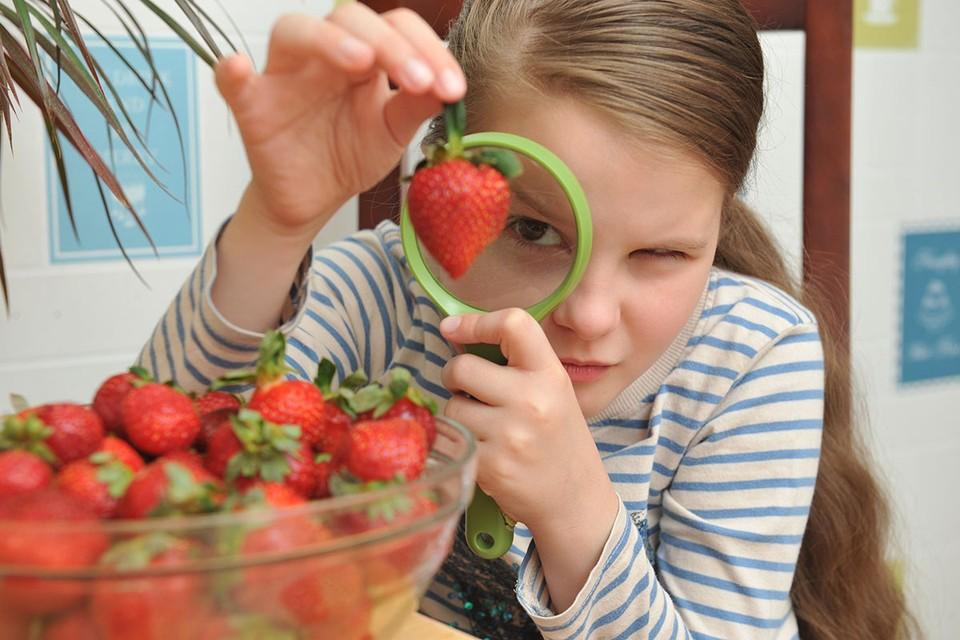 Также на даче или фруктово-овощном рынке можно найти настоящие природные антисептики, которые помогут при хронических болезнях
