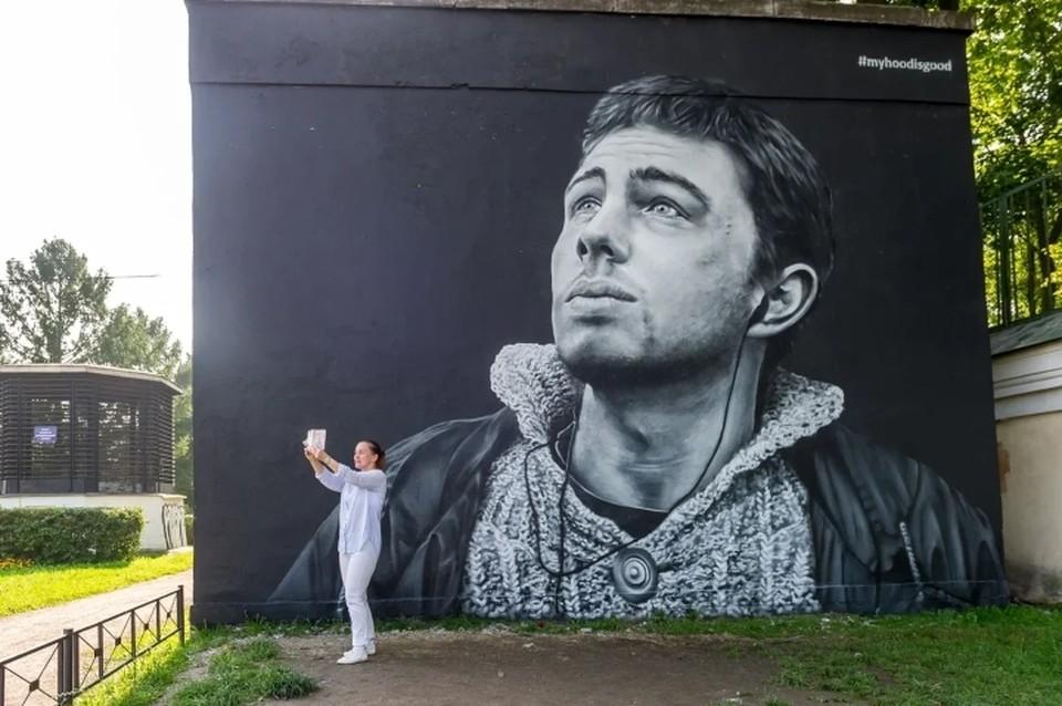 В Санкт-Петербурге могут уничтожить граффити с Портновой и Бодровым на трансформаторных будках.