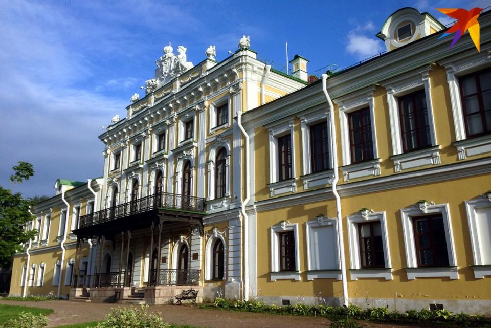 """Одной из главных достопримечательностей """"Государевой дороги"""" в нашем регионе является Императорский путевой дворец в Твери."""
