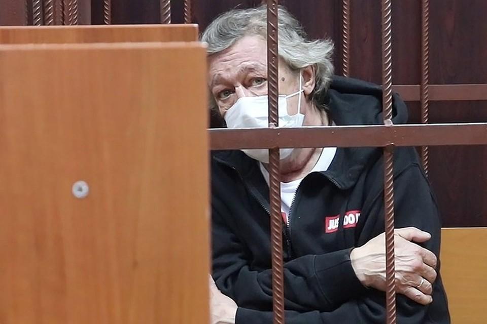 Актер Михаил Ефремов в помещении Таганского суда после задержания на месте ДТП. Фото: пресс-служба суда