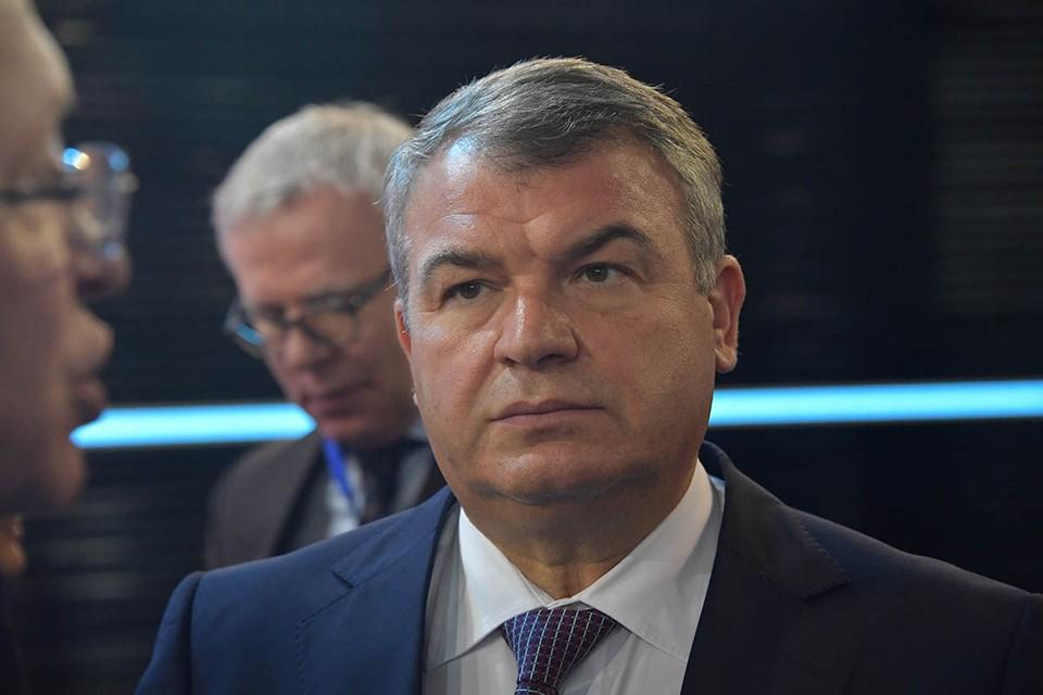 Экс-министр обороны Анатолий Сердюков, возглавляющий ныне Объединенную авиастроительную корпорацию (ОАК), рассказал о грандиозных планах развития самолетостроения.