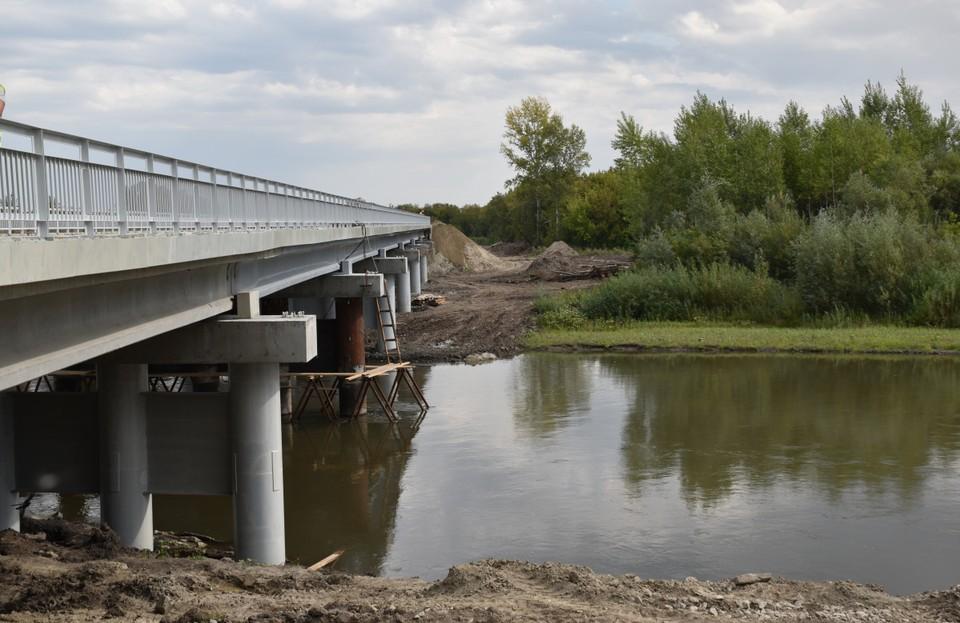 Мост через реку Песчаная