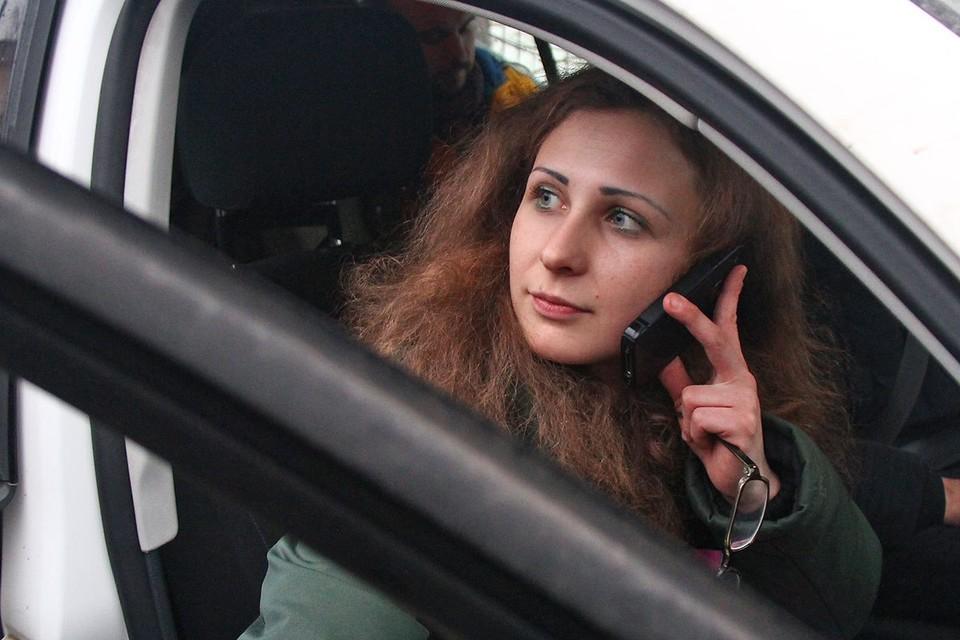 У Марии Алёхиной из Pussy Riot украли телефон