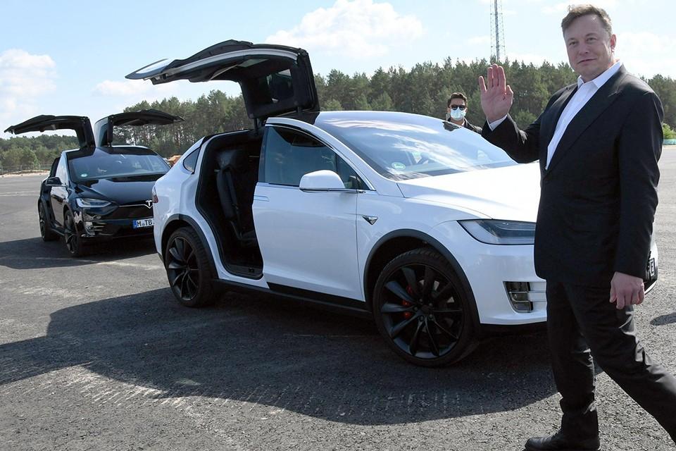 Взлету в рейтингах «Форбс» способствовали феноменальные показатели флагманской компании Маска – «Тесла», которая производит электроавтомобили.