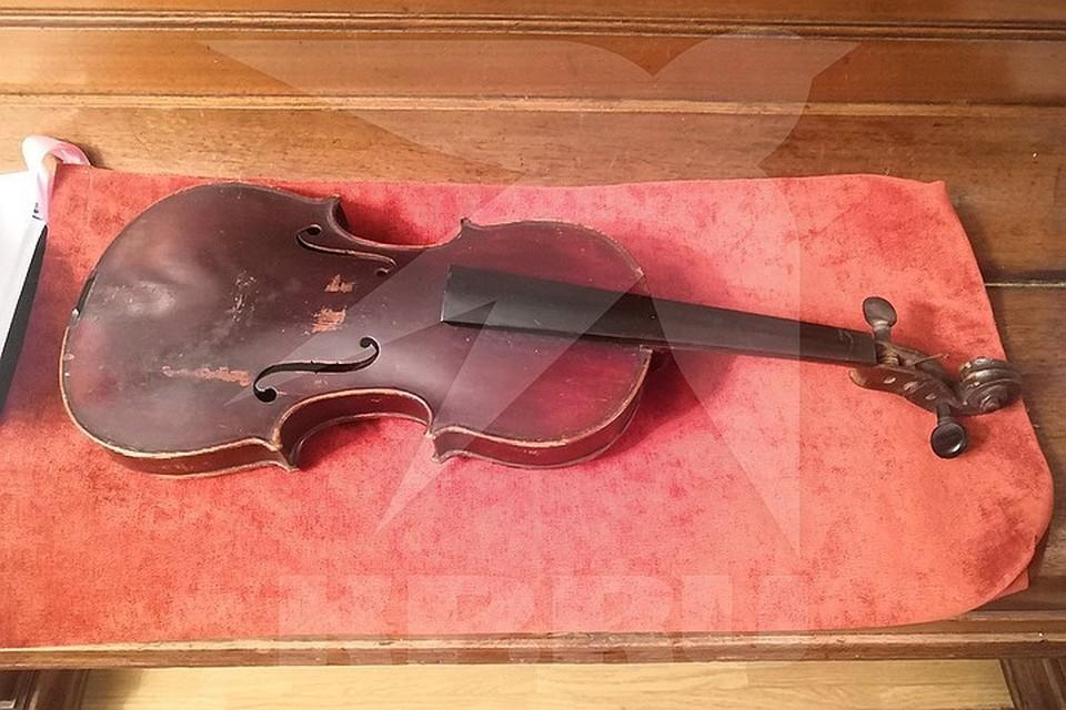 Счастливый наследник заявил, что выставит инструмент на аукцион. Фото: Юрий Курносов