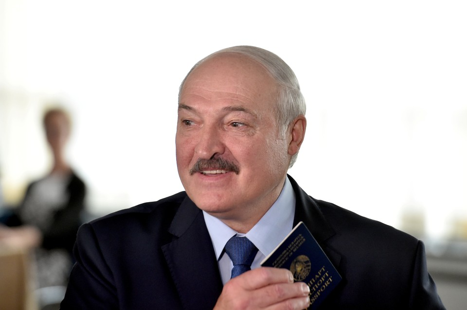 Лукашенко рассказал о военных учениях около границ Беларуси