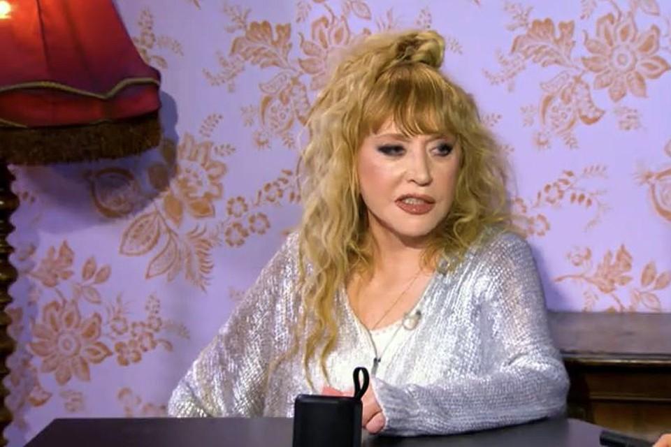Алла Борисовна не так давно заверила поклонников, что не будет ложиться под нож пластического хирурга