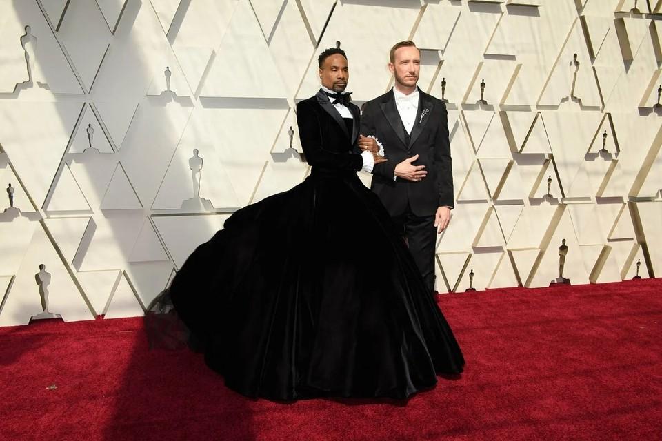"""Билли Потер (слева) с мужем Адамом Смитом на церемонии """"Оскар"""""""