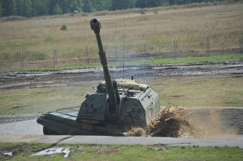 Для усиления защиты в Крым Минобороны России поставило гаубицы 2А65 МСТА–Б.