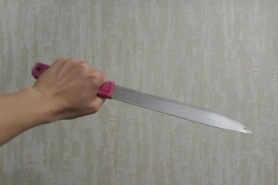 Мужчина ударил соперника ножом в грудь