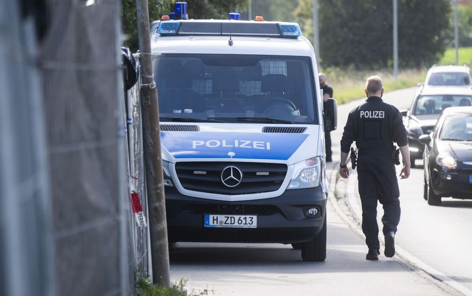 Немецких полицейских обвиняют в распространении нацистской символики