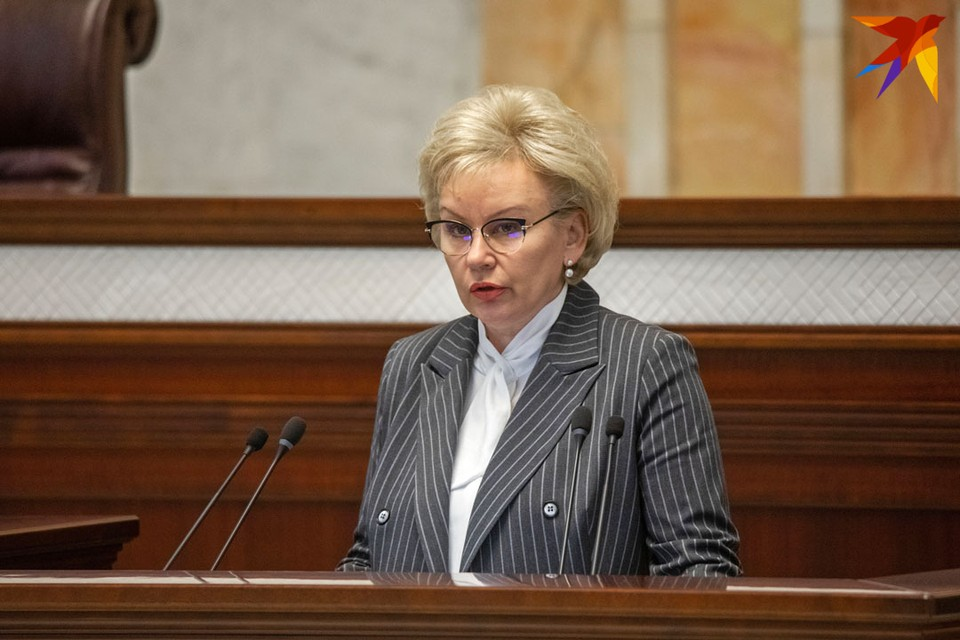 """Ирина Костевич говорит, что """"призывы к пенсионерам об отказе от получения пенсий - очередной фейк""""."""