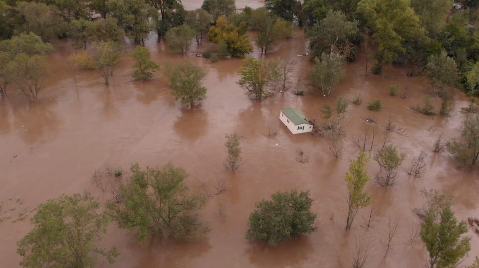 Сильное наводнение во Франции затопило несколько населённых пунктов, местные жители эвакуированы