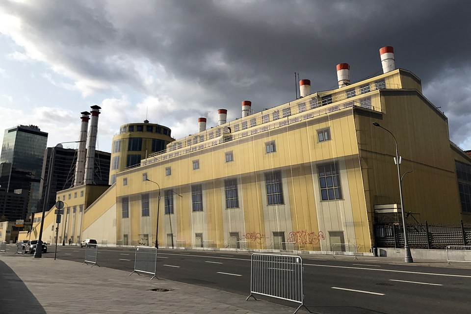"""До 2012 года в здании постройки начала ХХ века находилась сначала электрическая станция фабрики """"Трехгорная мануфактура"""", затем - районная ТЭЦ"""