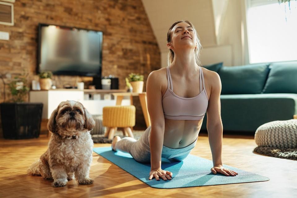 О спорте без мифов: фитнес-блогеры рассказали, как тренироваться дома и худеть без диет