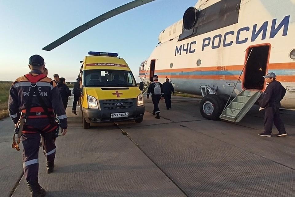Первый вертолет, вылетевший за пострадавшими, уже приземлился в Хабаровске. Фото: МЧС по Хабаровскому краю