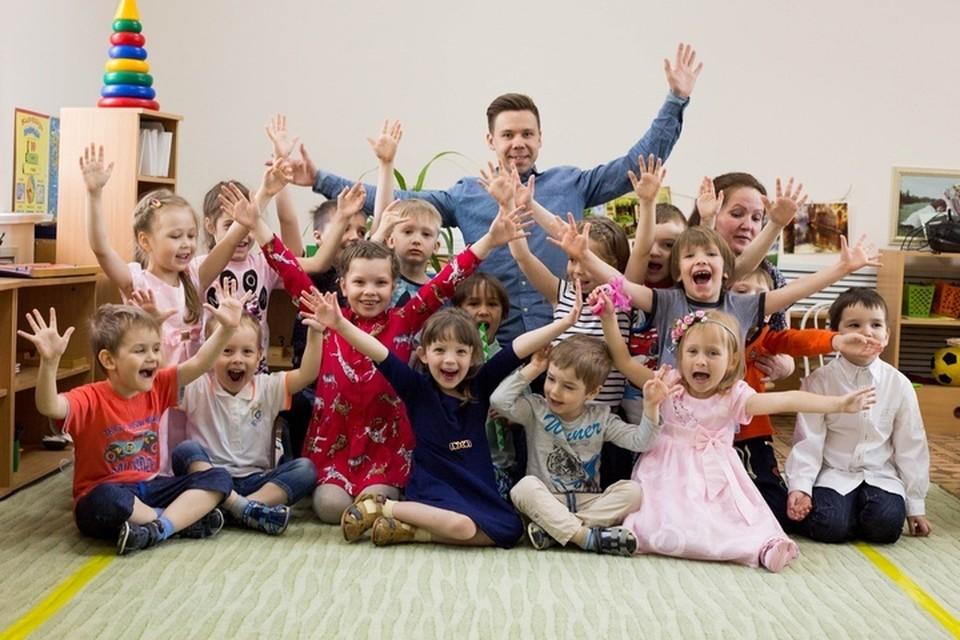 Через пять лет работы в детском саду Евгений Пепеляев стал лучшим воспитателем Перми, а потом и всей страны. Фото: Ксения Третьякова.