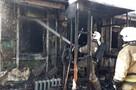Двух курян спасли во время пожара в частном доме