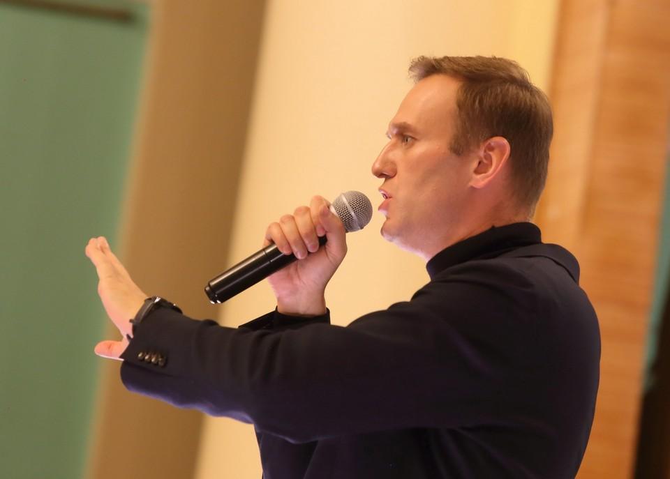 Учёный объяснил, как ингибиторы холинэстеразы могли оказаться на бутылке Алексея Навального